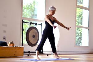 Anna Falcinelli, insegnante di Yoga Integrale, conduce due lezioni di prova nel pomeriggio di sabato.