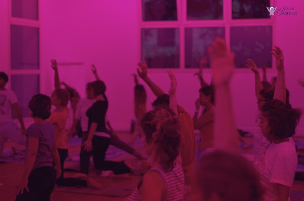 Lezione di Hatha Yoga al Centro Le Vie del Dharma