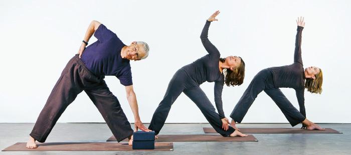 Le asana eseguite dai tre modelli di Yoga Per Tutti