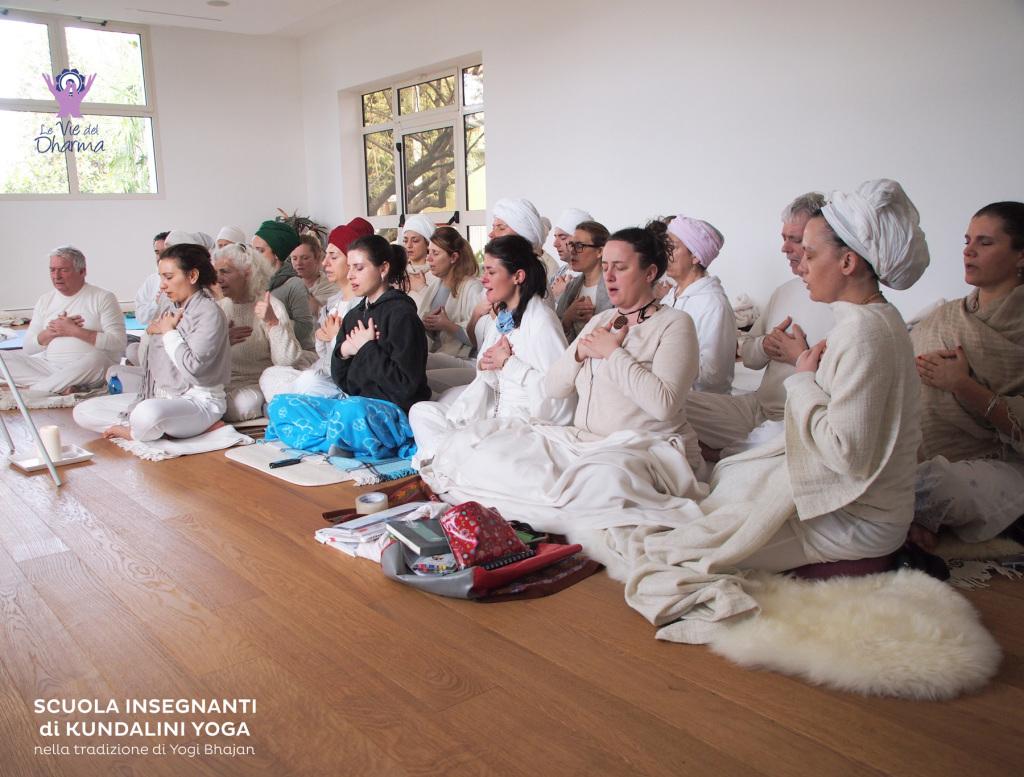 Le foto della Scuola Insegnanti di Kundalini Yoga a27a3b664e39